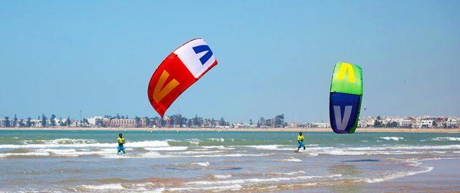 ركوب الأمواج بالطائرة الورقية في الصويرة، المغرب
