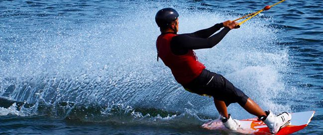 التزلج على الماء في رودس، اليونان