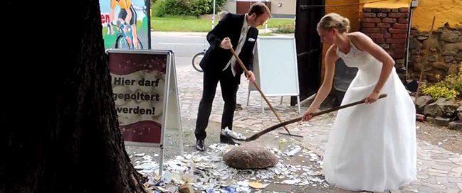كسر الخزف للحظ الجيد، ألمانيا