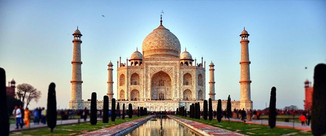 India: Best tourism places to visit - Taj Mahal