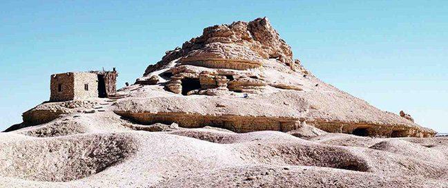 واحة سيوة - زيارة أشهر معالم سيوة جبل الموتى