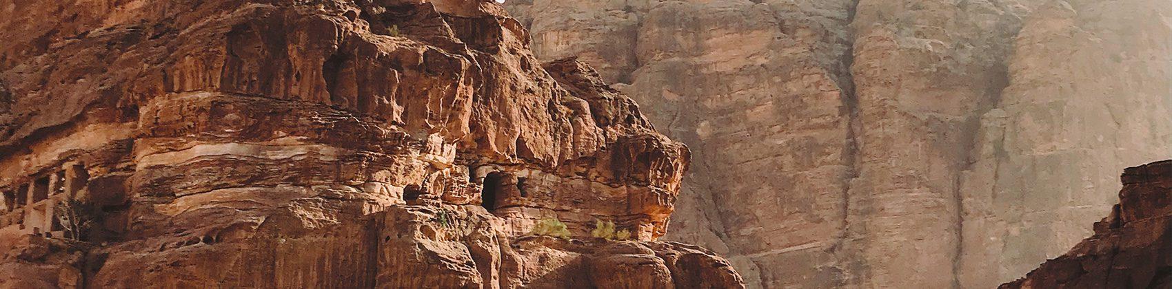 جولة في المملكة الهاشمية: أفضل الأماكن السياحية في الأردن