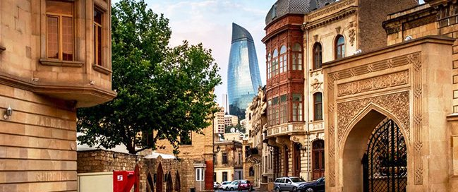 Walk through the old city of Baku