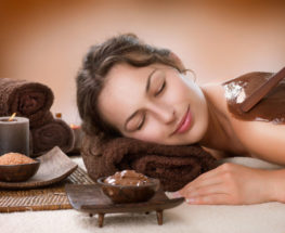 Massage with body scrubbing