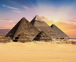 Private tour to Pyramids of Giza