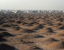 Aali burial mounds and Pottery workshops
