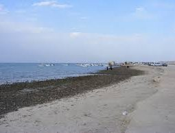 enjoy the sea in Karbabad Beach