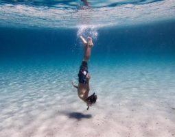 الغوص ومشاهدة الحياة البحرية والشعاب المرجانية