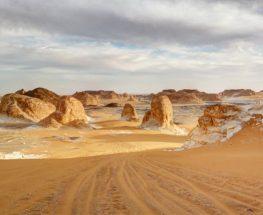 استمتع بالمغامرة والتخييم في الصحراء الغربية