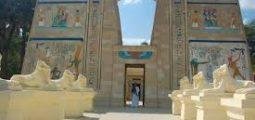 احصل على عرض العائلة في القرية الفرعونية