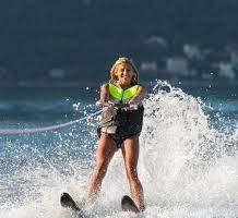 استمتع بالتزلج في مياه عمان