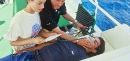 غوص المحترفين: مزود الأكسجين في حالات الطوارئ