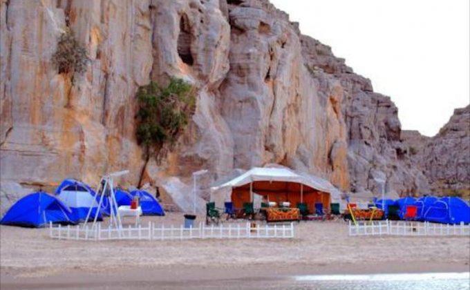 مخيم مسندم بيتش