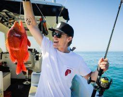رحلة صيد مع معدات صيد تقليدية