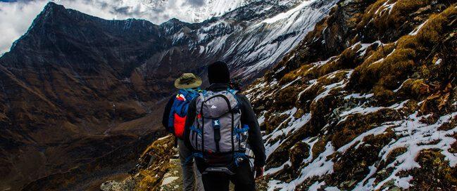 تسلق الجبال مع مرشد: رحلة التخييم