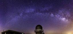 استمتع برحلة رصد النجوم في وادي الحيتان