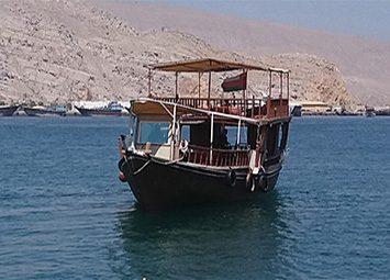 رحلة بحرية في مسندم خصب لمدة نصف يوم